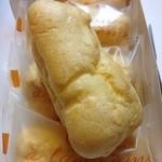 ポエム - 料理写真:シュークリーム・5個・カスタード(420円)