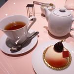 フォションパリルカフェ - ケーキと紅茶セット