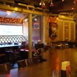 中国茶房8 - 2013.11朝食 大丈夫な範囲での店内の様子。