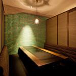 銀座MUN - 大人の雰囲気を味わえる4~8名利用の個室が全12室♪(写真は4名個室)