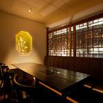 銀座MUN - 大人の雰囲気を味わえる4~8名利用の個室が全12室♪(写真は8名個室)