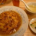 22518887 - 「天津飯と餃子 (690円)」のセットです