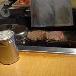 洋食の店 もなみ - 焼く&蒸らすの繰り返し