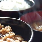 たんぽぽ - 料理写真:定食は白米・玄米を選んでいただけます。おかわりもできます。