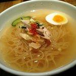 元祖 平壌冷麺屋 - あっさり冷麺のアップ