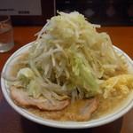 大 - らーめん(野菜多め、ニンニク)650円