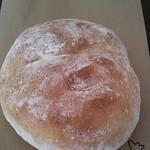ココペリ - コーンのパン(140円)
