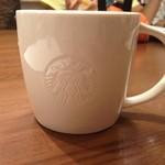 スターバックスコーヒー - 2013/11 スターバックス ラテ -HOT Tall  ¥380 をカップでオーダー