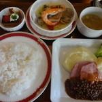 ホテルメルパルク東京・フォンテンド・芝 - 豚肩ロース肉のポワレ&赤魚のアックァパッツァ