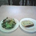 2254033 - ランチセットのサラダとパン