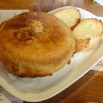 ハミングバード - パイ包み 煮込みハンバーグ&パン