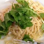 BISTORIA - ランチのパスタ オイル系 スズキと高橋さんのルッコラ レモン風味(名前は多少違います)