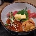 浜一番屋 - 三色丼