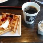 豊洲ダイニング梟 - ワッフル・コーヒー・ソフトクリーム