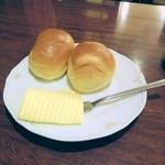 バンマリー - バターロール。