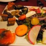 オステリアエンメ - 2013年11月 前菜とサラダの盛り合わせ2人前