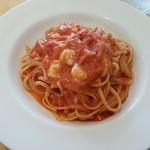 22550819 - イタリア産モッツァレラチーズ入ったトマトソースリングイネ(980円)です。