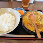 いし原 - かつ煮丼550円。       丼とかつ煮は別盛りでした。