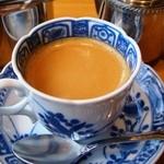 さが風土館 博多季楽 - 有田焼きのカップに入ったデミタスコーヒー
