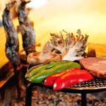 蛍雪の宿 尚文 - 料理写真:囲炉裏で焼きながら、炭火の匂いとともに田舎料理の醍醐味をお楽しみください。