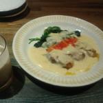 FLAT - 広島産牡蠣とほうれん草のクリームシチューソース