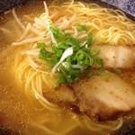 なかむら - ピリ辛ラーメン(690円)