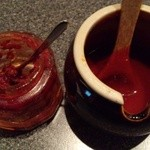 焼肉モリタ屋 - 辛い『ヤンヨンジャン』(左)、甘辛い『コチュジャン』(右)を出して貰った~♪(^o^)丿
