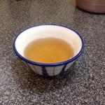 桃太楼 - 熱いお茶