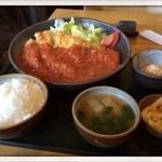 きっちん たまて箱 - 料理写真:ビックリチキンカツトマトソース970円 2013.11