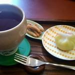 彩茶 - あっさりほうじ茶と選べる和洋菓子