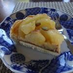 らぽっぽ - さつまいもとリンゴのタルト(1カット)