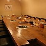 焼肉牛太 - 店内奥の半個室スペースは小宴会にもぴったり。