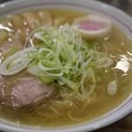 中華そば 真壁六郎太 - 料理写真:とてもあっさりした中華そばです。