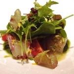 エクスキ - 天然ハマチのサラダ仕立て春菊のソース