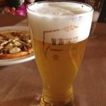 曽爾高原ファームガーデン - 曽爾高原地ビールピルスナー…と季節の野菜のピザ