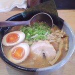 極麺 小次郎  - 味玉らぁ麺