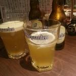 22584523 - ヒューガルデン(ホワイト)                       焼き鳥屋さんでベルギービール!