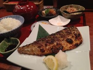 和彩弥 嶋川 - 日替わり和膳(鯖の塩焼き+豚汁)