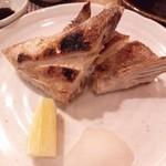 寿司じんかく - ハマチのカマ塩焼き