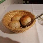 ビストロ・ア・ヴァン・ラ・パタータ - 自家製パン