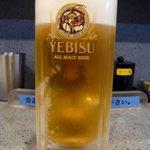 串の屋 - まずは何時ものように生ビールからのスタートです。このお店はエビスの生です。