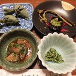 秋神温泉旅館 - (夕食)大福、キノコ、わらび等