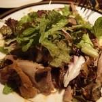カフェ リポース - カリカリ鴨もも肉のコンフィ(1500円)。