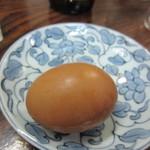 旭軒 - この日のゆで卵はちゃんと綺麗に皮を剥く事ができて大満足。