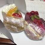 22596940 - カシスムース、フルーツケーキ