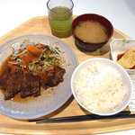 フェスティバル キッチン - ステーキ定食 780円