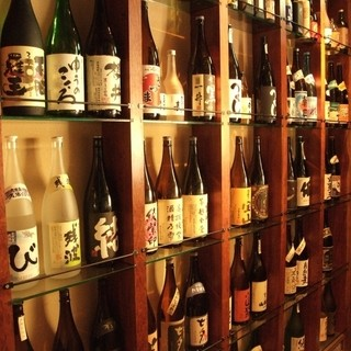 撫酣人みなみのこだわり厳選焼酎・日本酒の数々!