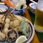 鎌倉 - エビス生と串揚げ盛り合わせ