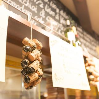 お洒落でカジュアルな空間が自慢の店内で絶品イタリア料理を堪能