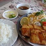 UMEKA - チーズ入り豚かつ
